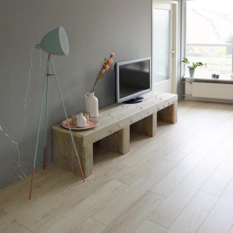 Steigerhouten tv meubel modern ontwerp en op maat voor u for Steigerhout tv meubel