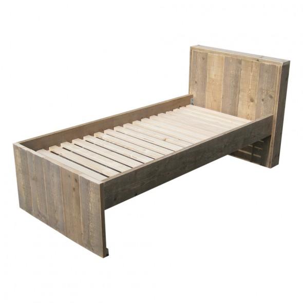Steigerhouten bed met hoofdbord 1, oud steigerhout en onbehandeld
